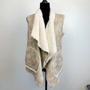 Zara Trafaluc Beige Ivory Sherpa Vest